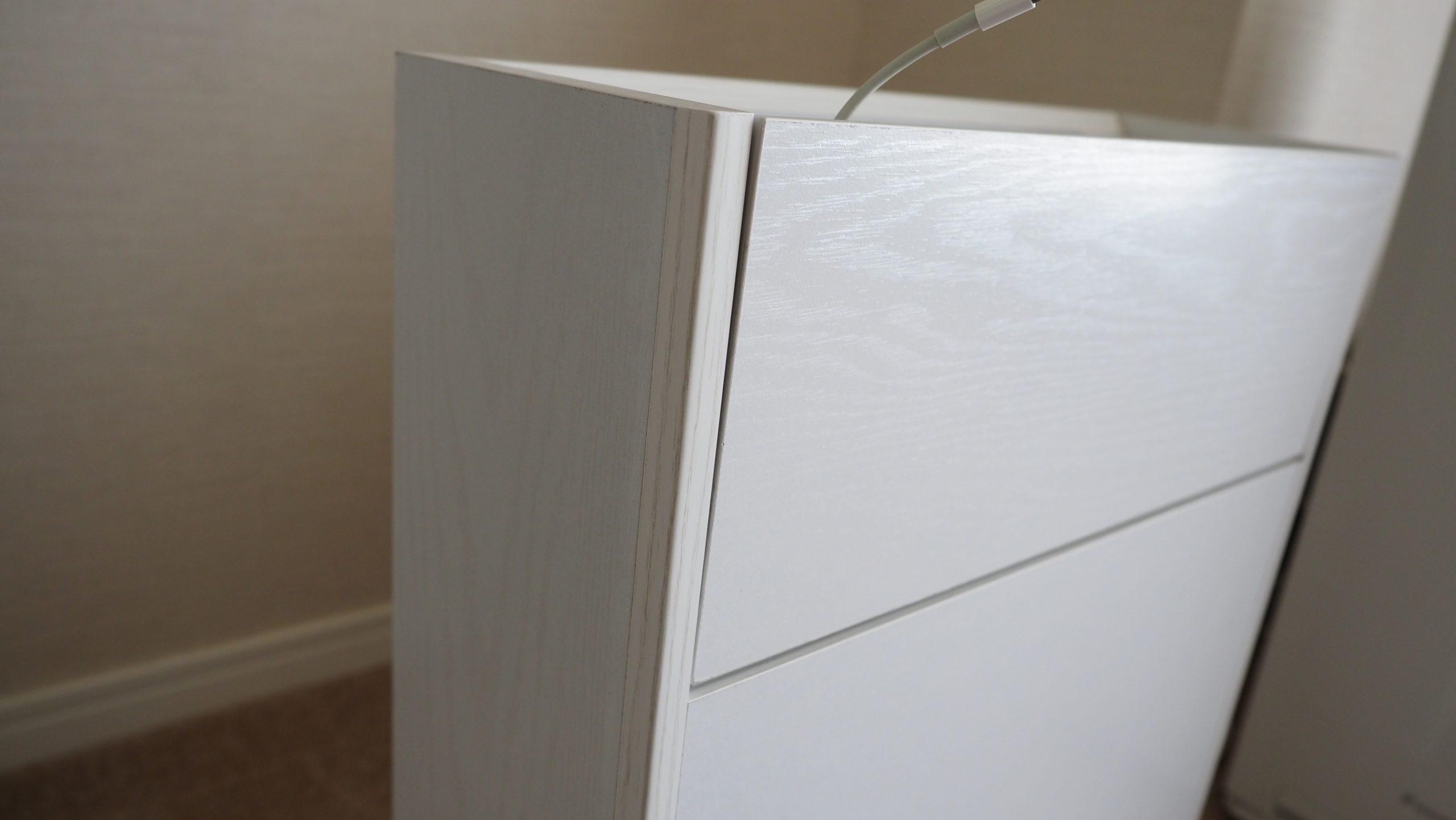 サンワダイレクトのルーター収納ボックスのホワイト